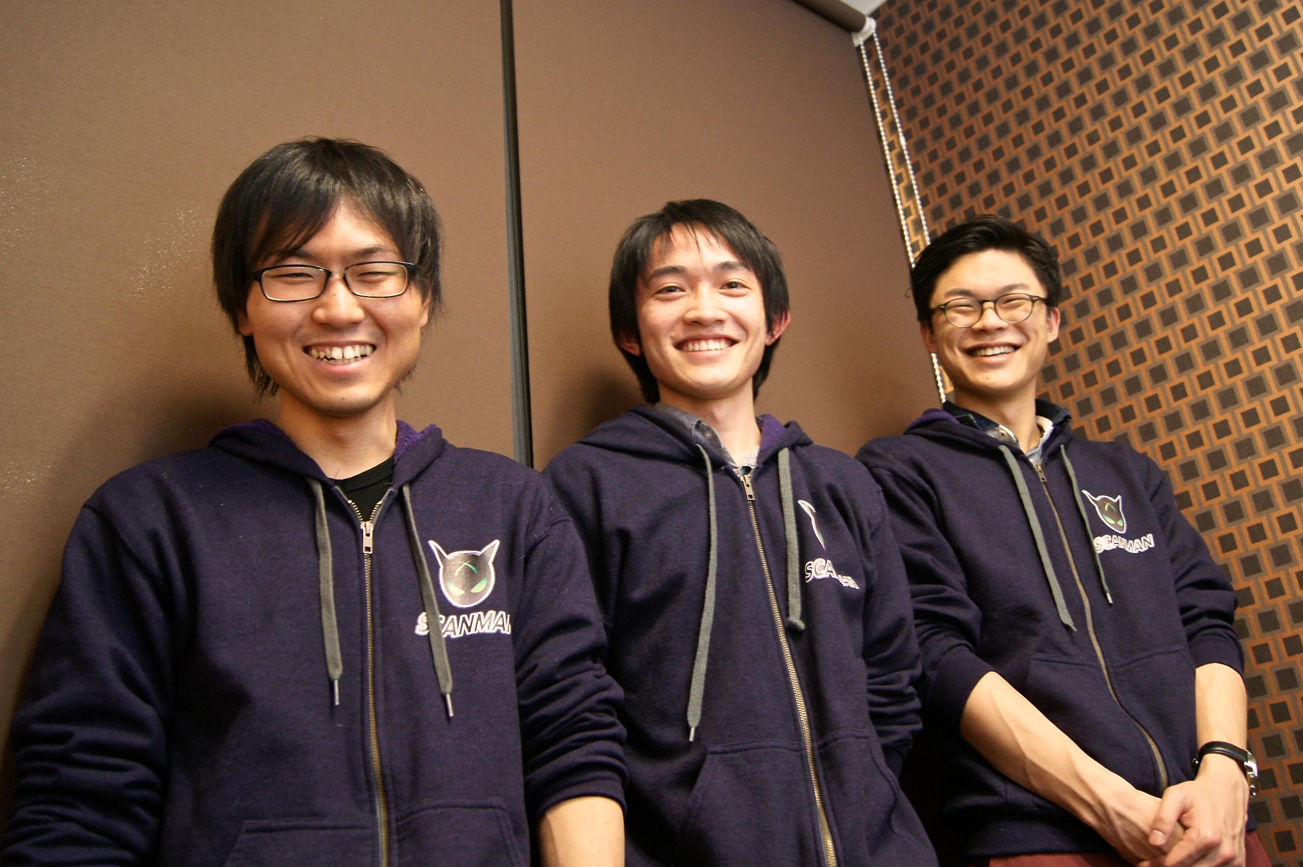 左から杉本さん、大内さん、取締役副社長の金さん